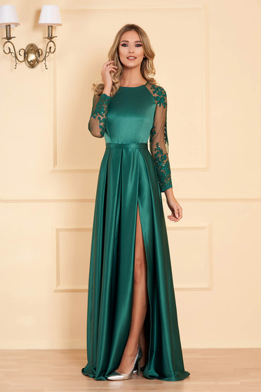 Green occasional dress flaring cut from satin fabric texture with laced sleeves