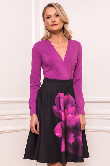 Purple office body with tented cut with v-neckline slightly elastic cotton
