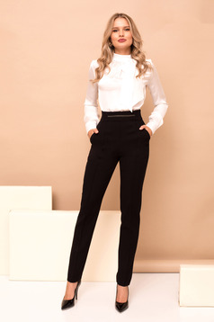 High waisted conical black trousers with pockets