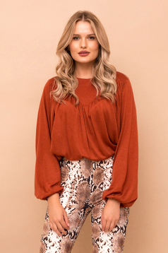 Elegant flared bricky sweater with long puffed sleeves