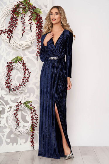 Darkblue occasional dress from velvet fabric with v-neckline accessorized with tied waistband long sleeved