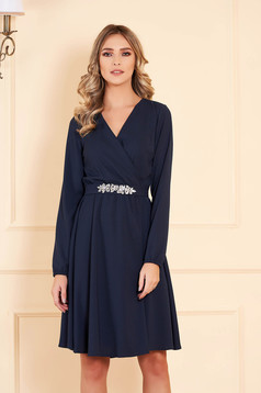 Dress darkblue StarShinerS occasional midi cloche from veil with v-neckline accessorized with belt with embellished accessories long sleeved