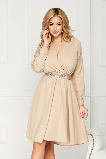 Dress cream StarShinerS occasional midi cloche from veil with v-neckline accessorized with belt with embellished accessories long sleeved