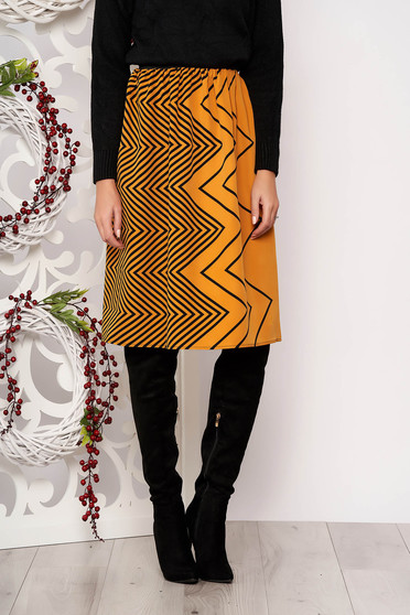 Skirt StarShinerS mustard flaring cut with geometrical print slightly elastic fabric pressure-free border