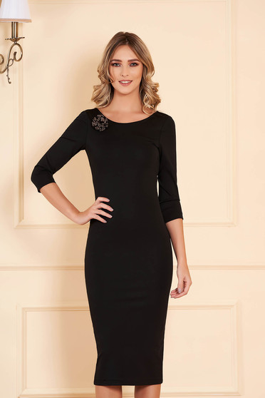 Dress StarShinerS black occasional midi pencil jersey 3/4 sleeve accessorized with breastpin