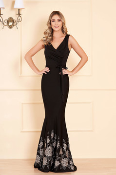 Dress black occasional mermaid dress with floral prints with v-neckline accessorized with tied waistband