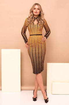 Dress mustard elegant cloth with geometrical print midi pencil accessorized with belt long sleeved