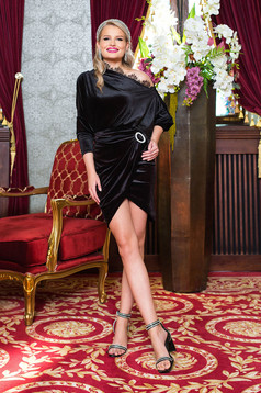 Black skirt occasional short cut pencil from velvet wrap around buckle accessory