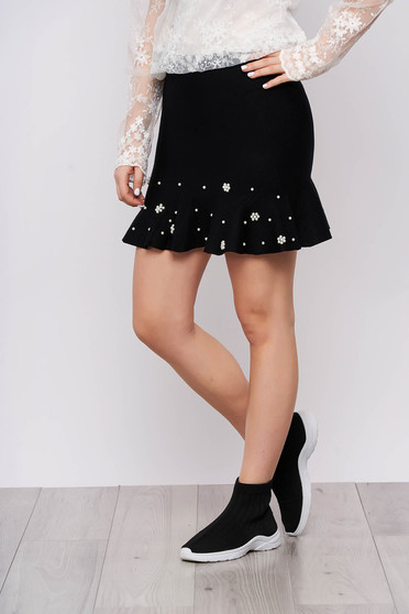Black skirt elegant short cut cloche knitted with ruffle details with pearls