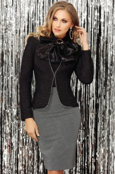 Black jacket occasional short cut long sleeved tented