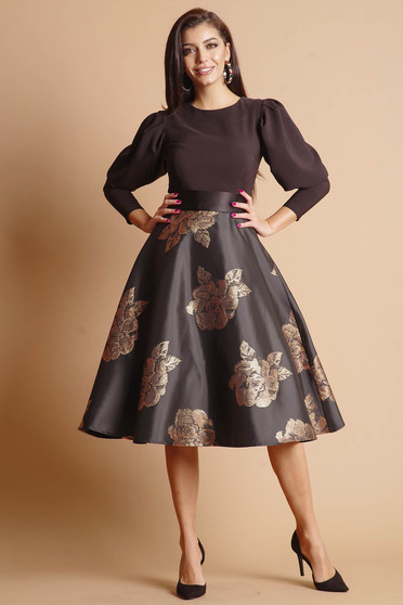 Dress bricky cloche occasional with floral print long sleeved accessorized with tied waistband short lining under the skirt back zipper fastening