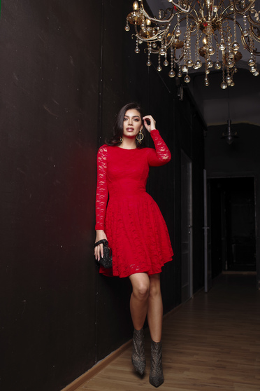Dress red occasional cloche short lining under the skirt laced with inside lining long sleeved from laced fabric from elastic fabric with laced sleeves