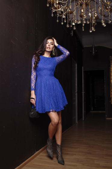 Dress darkblue occasional cloche short lining under the skirt laced with inside lining long sleeved from laced fabric from elastic fabric with laced sleeves