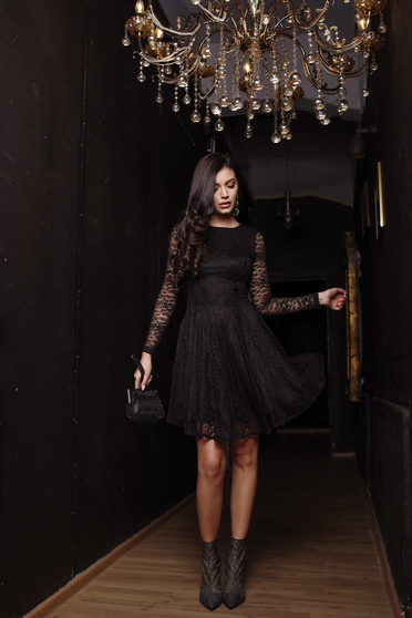Dress black occasional cloche short lining under the skirt laced with inside lining long sleeved from laced fabric from elastic fabric with laced sleeves