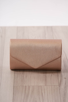 Bag clutch lightpink occasional from ecological leather metal eyelets fastening accessorized with chain