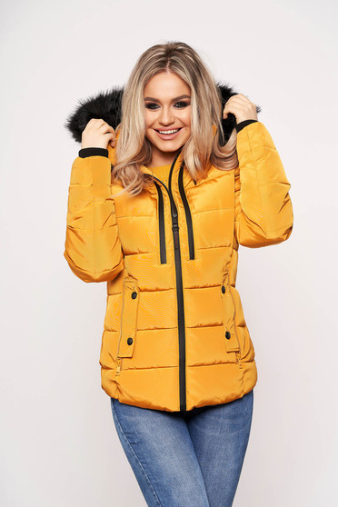 Mustard jacket casual short cut with pockets long sleeved with furry hood