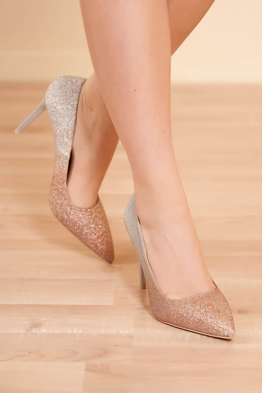 Shoes gold elegant clubbing with high heels slightly pointed toe tip with glitter details