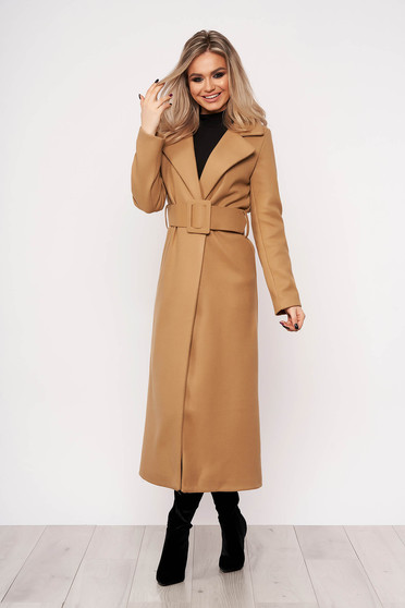 Brown coat elegant arched cut without clothing casual