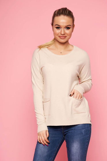 Ivory women`s blouse with pockets with round collar casual thin fabric