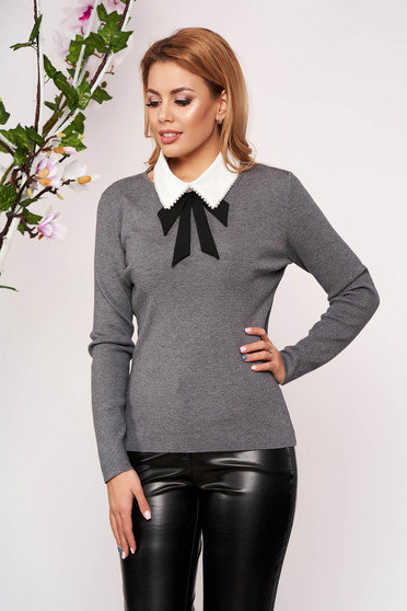 Grey women`s blouse knitted arched cut detachable collar short cut long sleeved neckline elegant