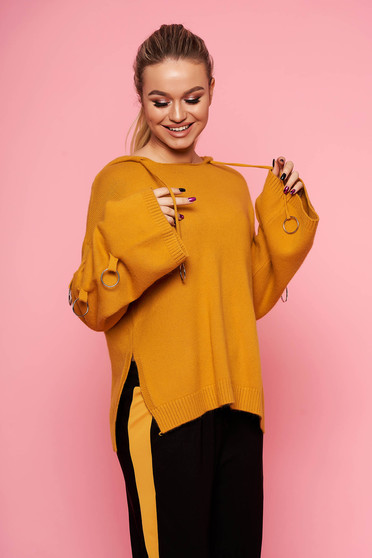 Mustard sweater casual knitted with undetachable hood with metal accessories short cut flared