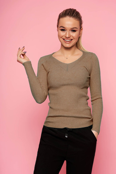 Brown sweater casual short cut tented with v-neckline long sleeved knitted
