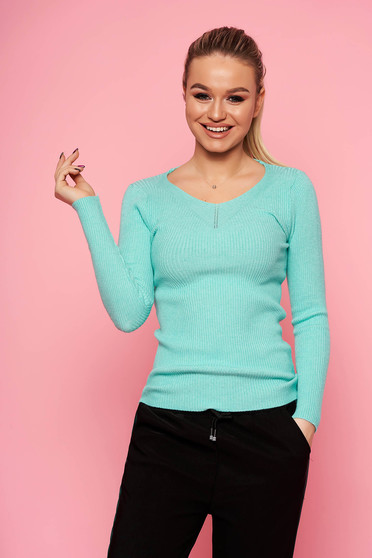 Turquoise sweater casual short cut tented with v-neckline long sleeved knitted