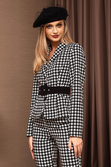 Black jacket elegant short cut tented with print details dogtooth accessorized with a waistband