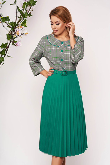 Green dress office midi cloche pleats of material with 3/4 sleeves