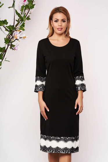 Black dress elegant cloth with lace details with 3/4 sleeves arched cut