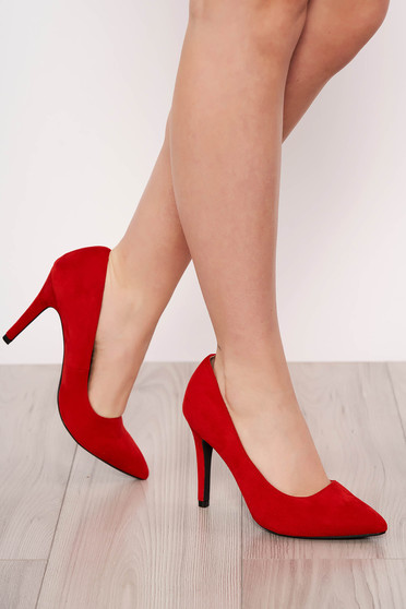 Red shoes elegant slightly pointed toe tip with high heels