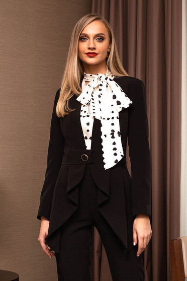 Black jacket elegant tented accessorized with belt
