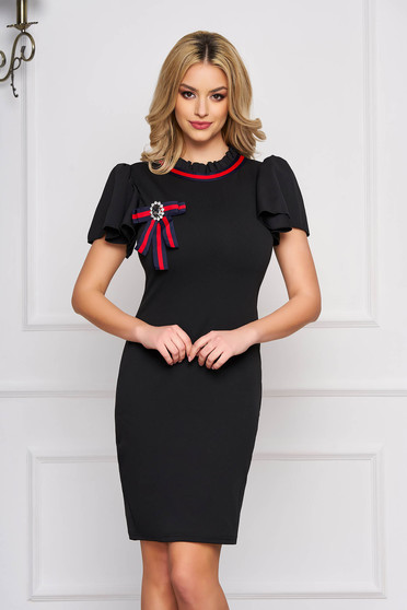 Dress black accessorized with breastpin short sleeve pencil short cut cloth elegant