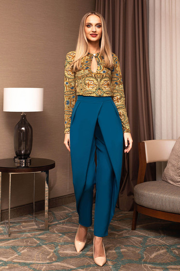 Trousers turquoise straight pleats of material button and zipper fastening elegant