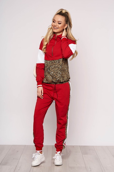 Red casual sport 2 pieces slightly elastic cotton with leo print with pockets