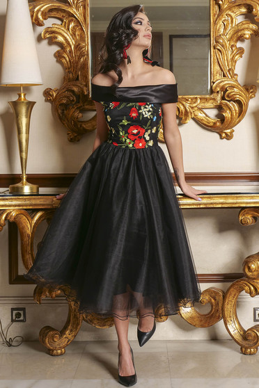 Black dress cloche midi naked shoulders occasional